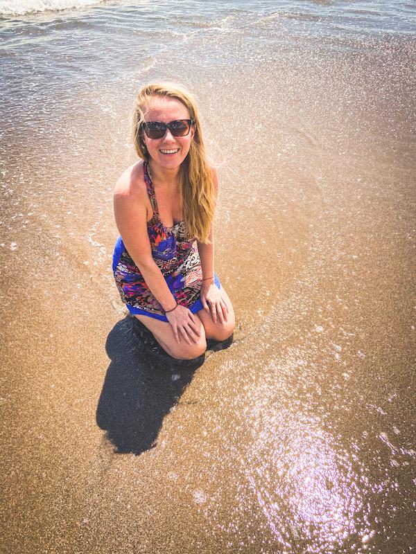 Virtuální asistentka šťastná Darja Bali